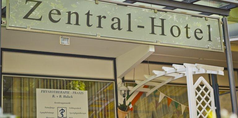 Zentral-Hotel Bad Füssing Eingang
