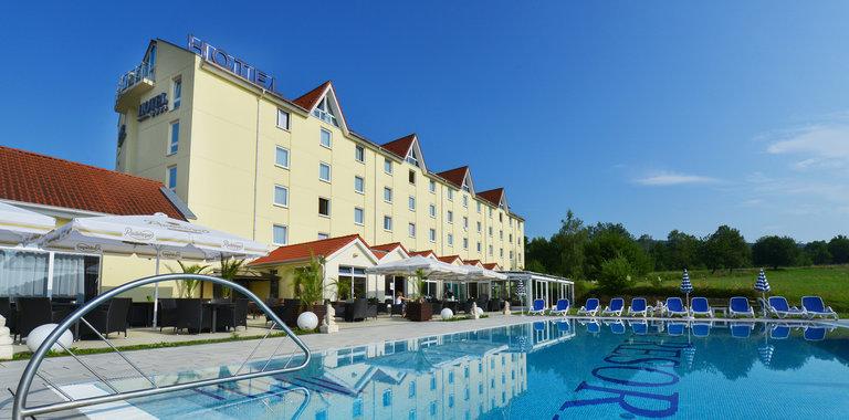 Poolbereich Fair Resort Sport- & Wellnesshotel