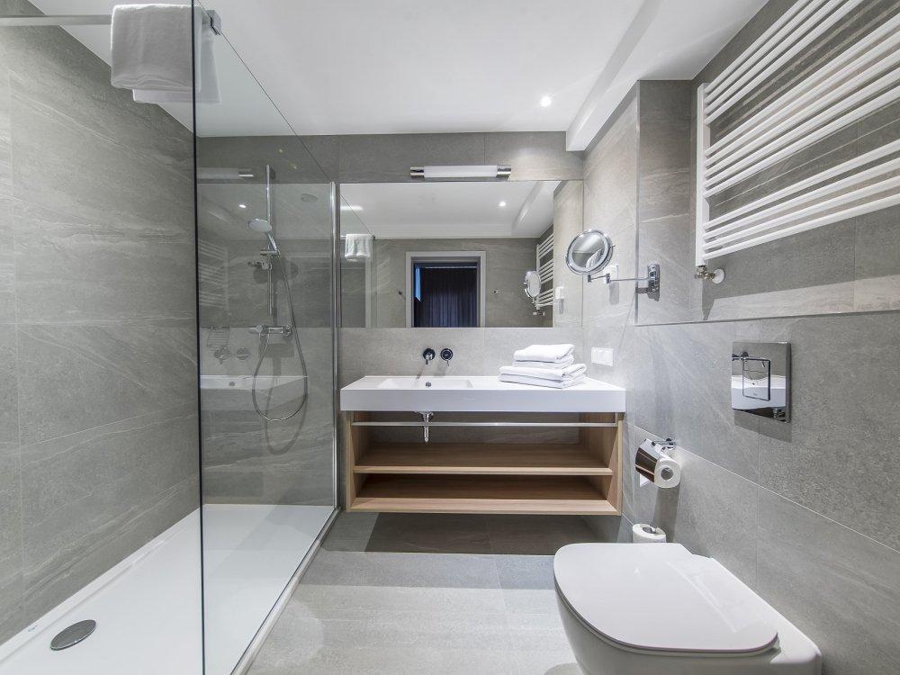 Hotel Baltivia Sea Resort - Badezimmer im Zimmerbeispiel