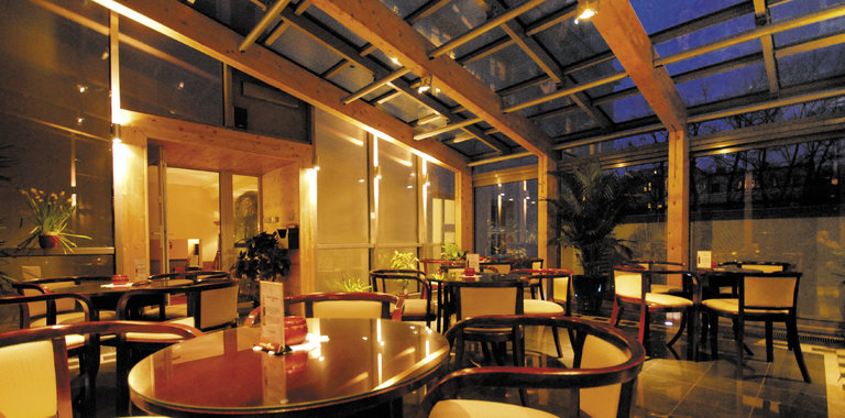 Jantar Hotel & Spa Restaurant