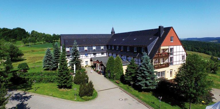 Panorama Berghotel Wettiner Höhe Außenansicht