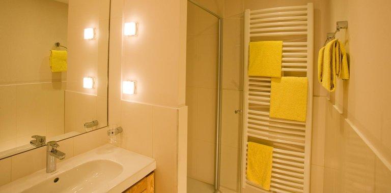 Badezimmerbeispiel Ferienhotel Predigtstuhl Resort