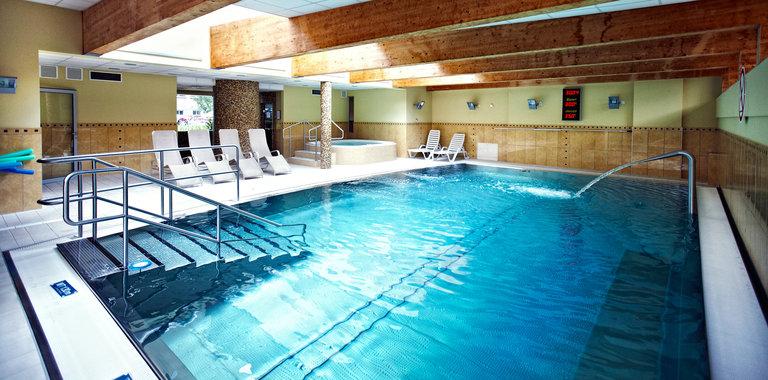 Jantar Hotel & Spa Innenpool