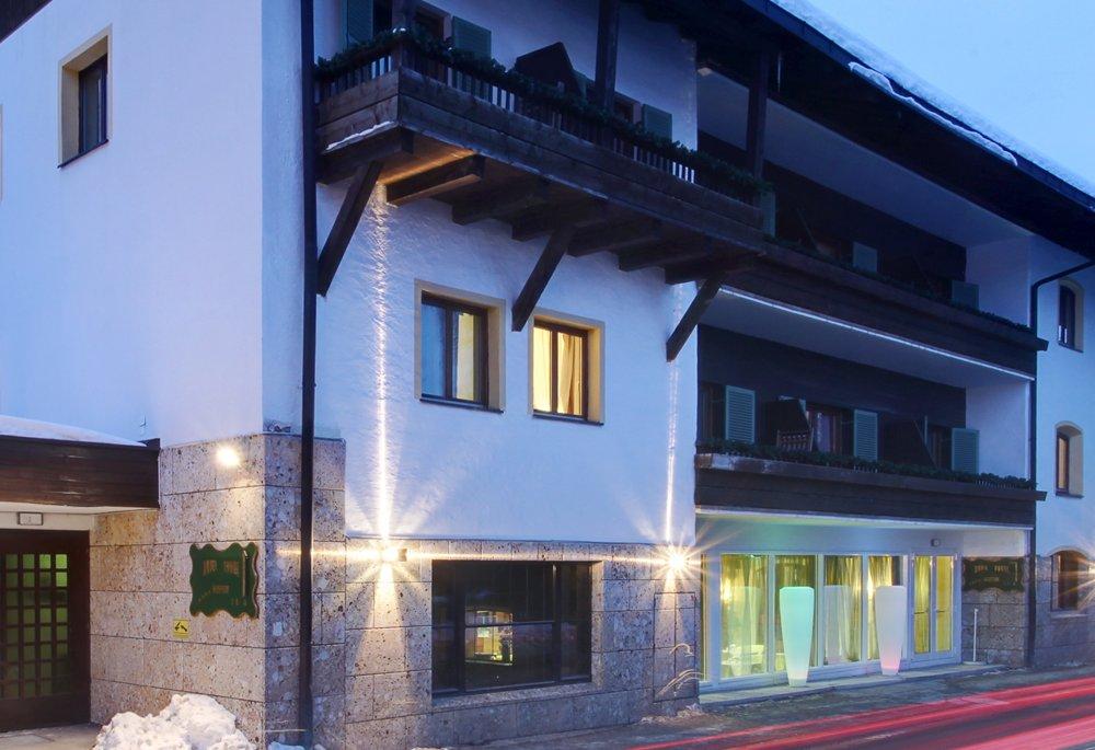Hotel Alpenhof, Außenansicht