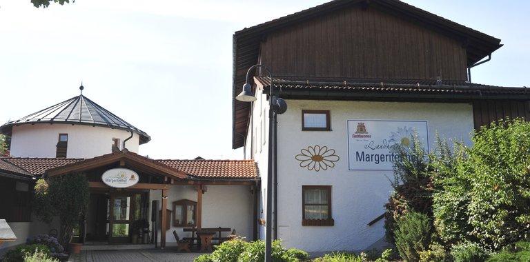 Landhotel Margeritenhof Außenansicht