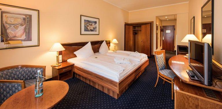 Göbel's Hotel Quellenhof Zimmerbeispiel