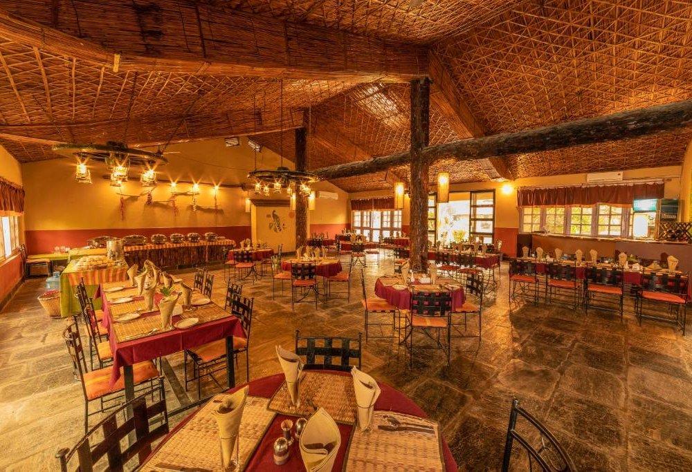 Green Mansion Jungle Resort - Restaurant