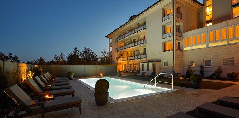 Göbel's Hotel Quellenhof Außenpool