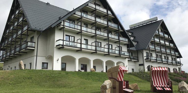 Alpina Lodge Hotel Oberwiesenthal Außenansicht