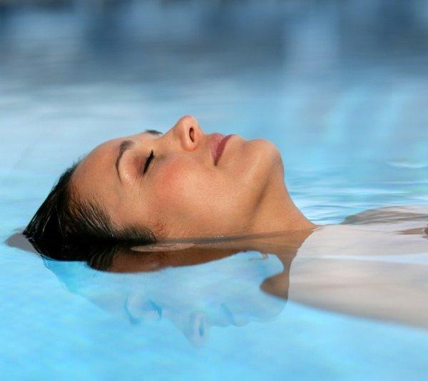 Das Hallenbad im aqualux Wellnesshotel