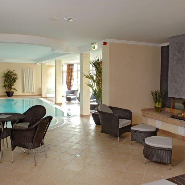 Modernes Hallenbad im Göbel`s Hotel Quellenhof****